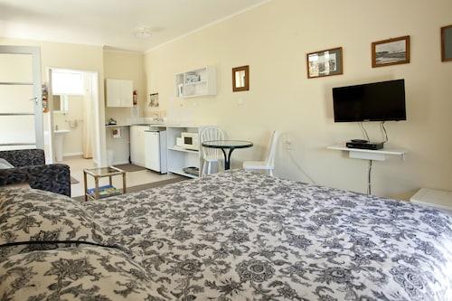 The Station House Motel, Tasman