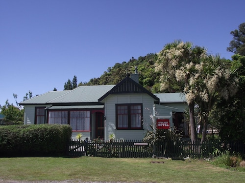 The Station House Motel, Tasman