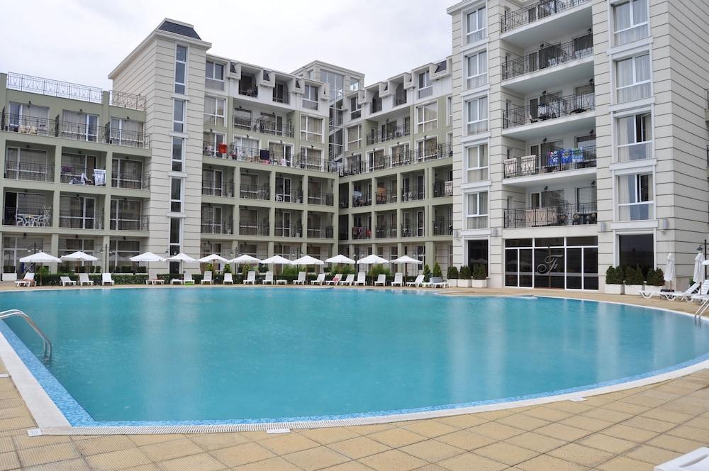 호텔 페스타 포모리에 리조트(Hotel Festa Pomorie Resort) Hotel Image 24 - Outdoor Pool