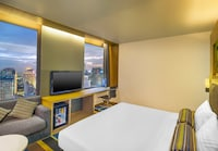 Breezy, Room, 1 King Bed, City View