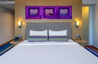 Chic, Room, 1 King Bed