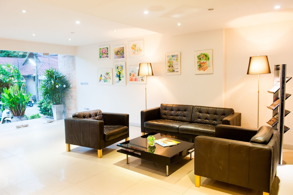 몬티엔 하우스 차웽 비치 리조트(Montien House Chewang Beach Resort) Hotel Image 3 - Lobby Sitting Area