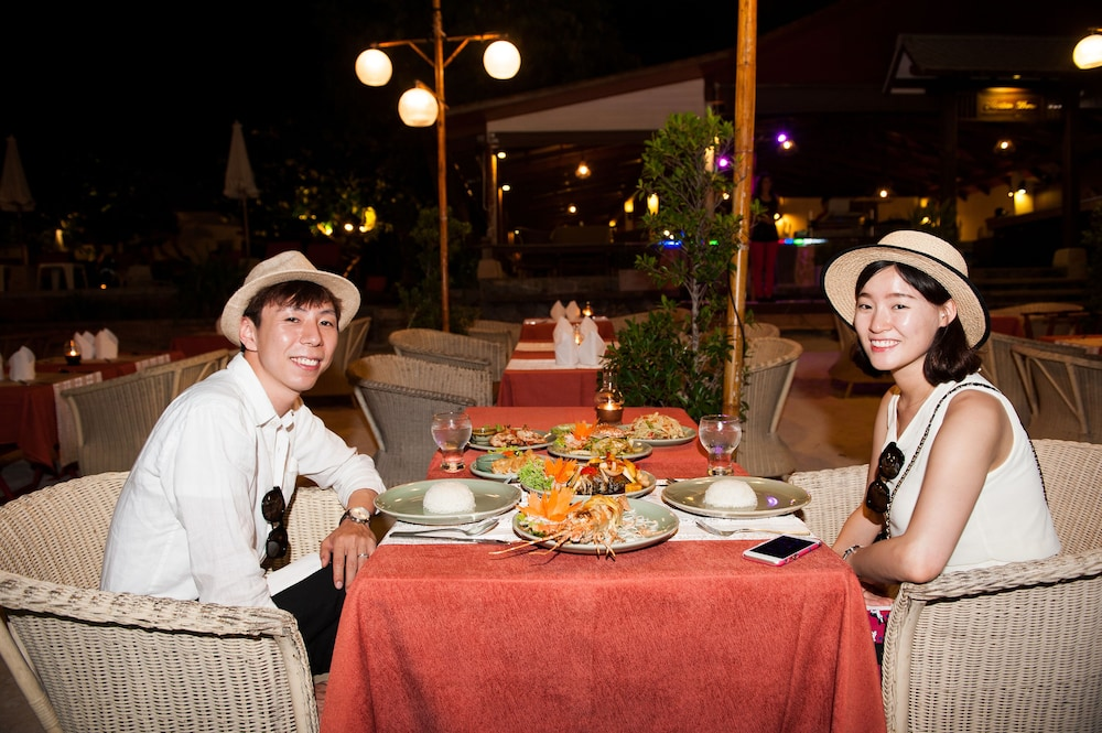 몬티엔 하우스 차웽 비치 리조트(Montien House Chewang Beach Resort) Hotel Image 45 - Restaurant