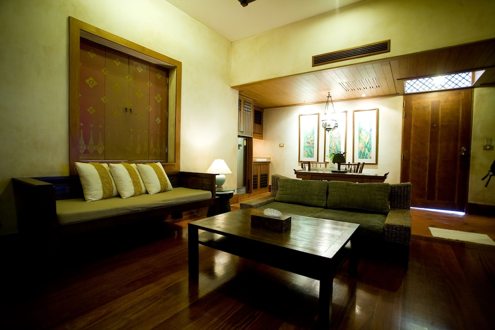 몬티엔 하우스 차웽 비치 리조트(Montien House Chewang Beach Resort) Hotel Image 25 - Living Room