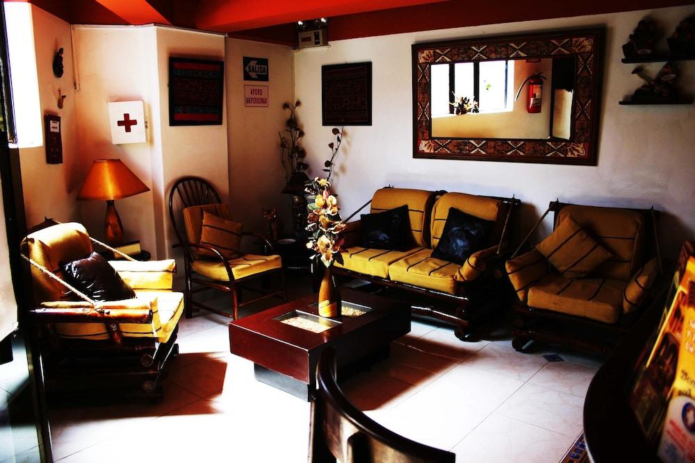 오스탈 쿠시 와시(Hostal Cusi Wasi) Hotel Image 1 - Lobby Sitting Area