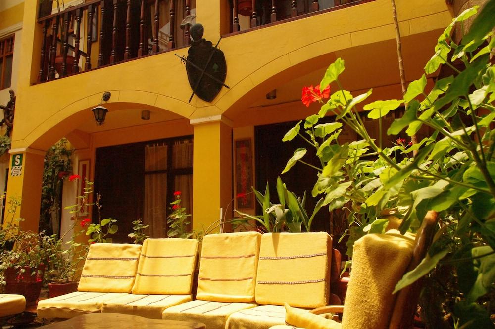 오스탈 쿠시 와시(Hostal Cusi Wasi) Hotel Image 54 - Courtyard