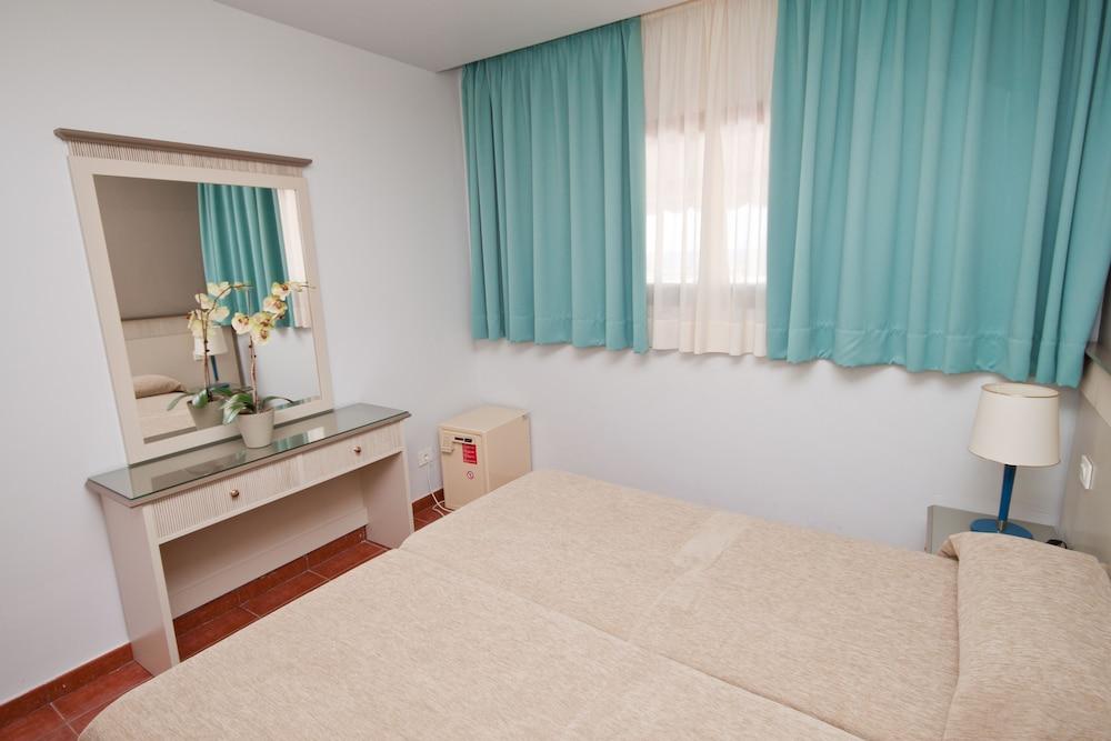 아마도레스 비치 아파트먼트(Amadores Beach Apartment) Hotel Image 20 - Guestroom