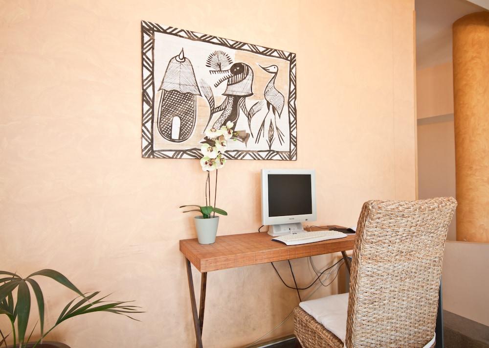아마도레스 비치 아파트먼트(Amadores Beach Apartment) Hotel Image 24 - Property Amenity