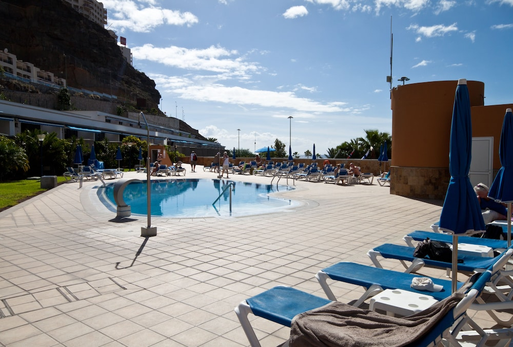 아마도레스 비치 아파트먼트(Amadores Beach Apartment) Hotel Image 4 - Pool