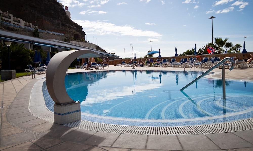 아마도레스 비치 아파트먼트(Amadores Beach Apartment) Hotel Image 6 - Pool