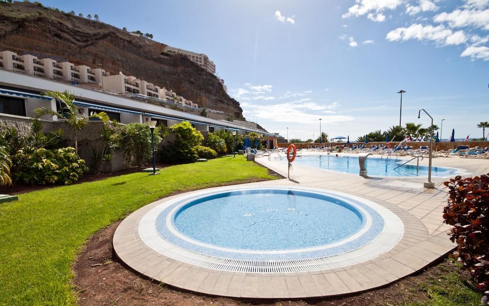 아마도레스 비치 아파트먼트(Amadores Beach Apartment) Hotel Image 3 - Pool