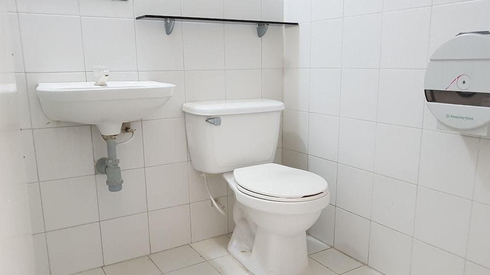 호텔 스틸 카르타게나(Hotel Stil Cartagena) Hotel Image 28 - Bathroom