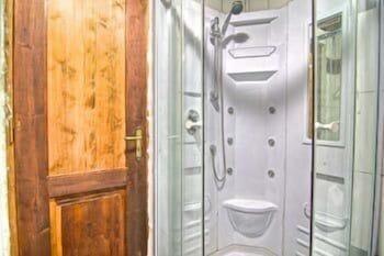 스톤 빌리지(Stone Village) Hotel Image 18 - Bathroom