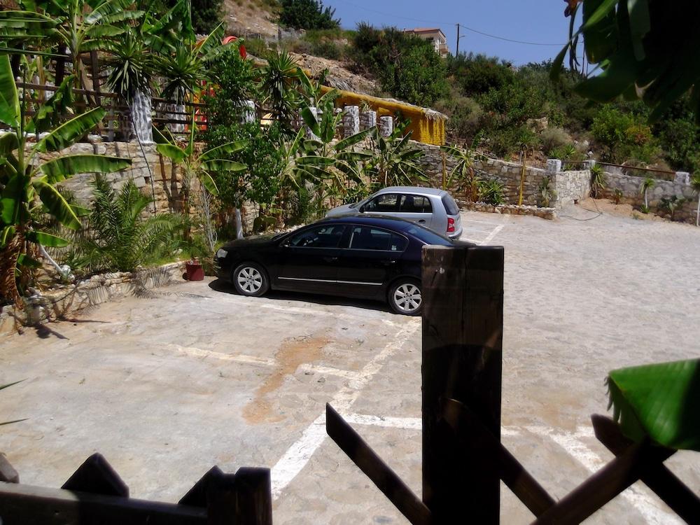 스톤 빌리지(Stone Village) Hotel Image 31 - Parking