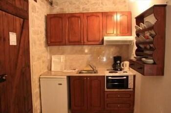 스톤 빌리지(Stone Village) Hotel Image 13 - In-Room Kitchen