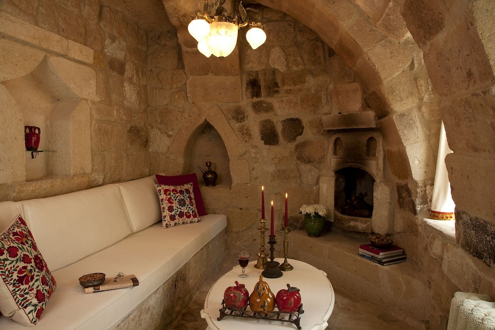 헤젠 케이브 호텔(Hezen Cave Hotel) Hotel Image 22 - Living Room