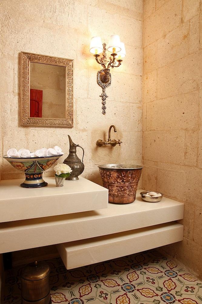 헤젠 케이브 호텔(Hezen Cave Hotel) Hotel Image 25 - Bathroom