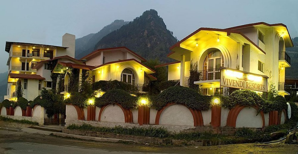 프라이드 데 비벤디 리조트 마날리.(Pride De Vivendi Resort Manali.) Hotel Image 35 - Hotel Front - Evening/Night