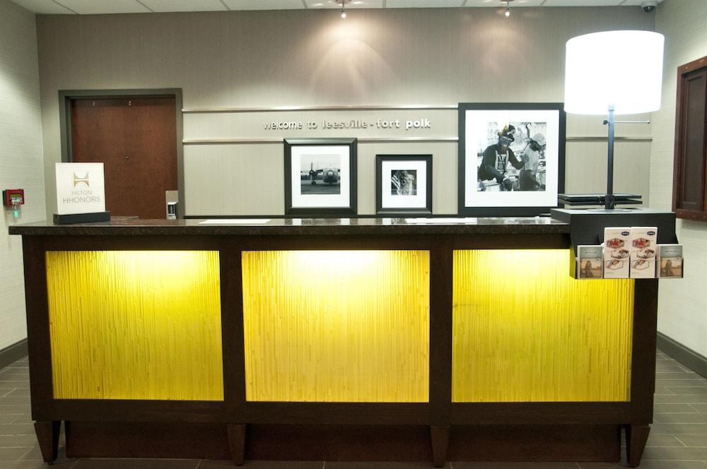 햄프턴 인 리스빌/포트 포크(Hampton Inn Leesville / Ft. Polk) Hotel Image 10 - Reception
