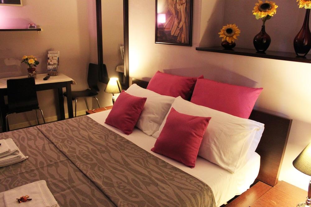 앨 파세토 산트 페테르스 비케(Al Passetto St. Peter's bike) Hotel Image 3 - Guestroom