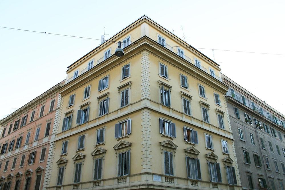 앨 파세토 산트 페테르스 비케(Al Passetto St. Peter's bike) Hotel Image 19 - Hotel Front