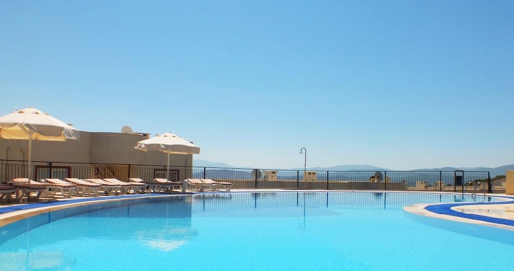 레이크사이드 가든(Lakeside Garden) Hotel Image 50 - Outdoor Pool