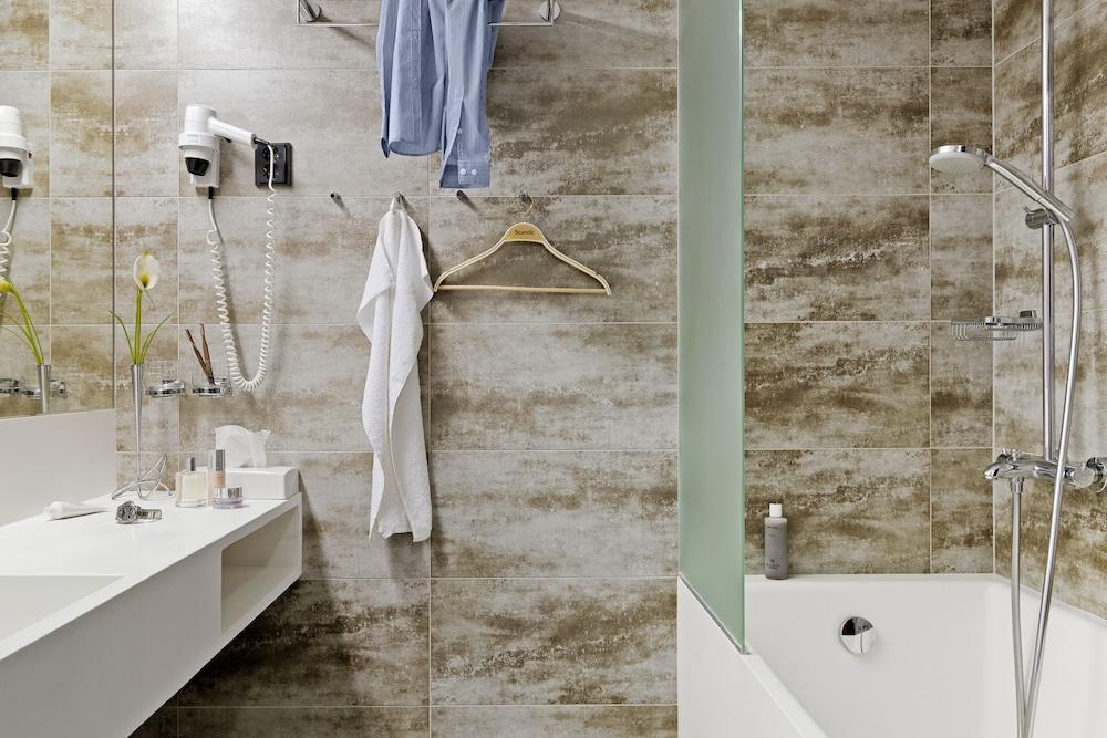 산딕 파시(Scandic Paasi) Hotel Image 32 - Bathroom