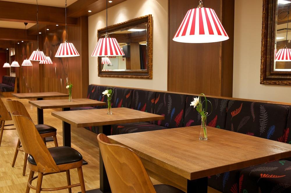 산딕 파시(Scandic Paasi) Hotel Image 41 - Breakfast Area