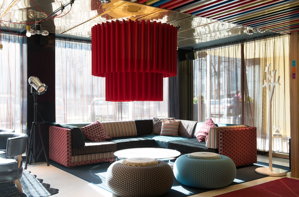 산딕 파시(Scandic Paasi) Hotel Image 1 - Lobby Sitting Area