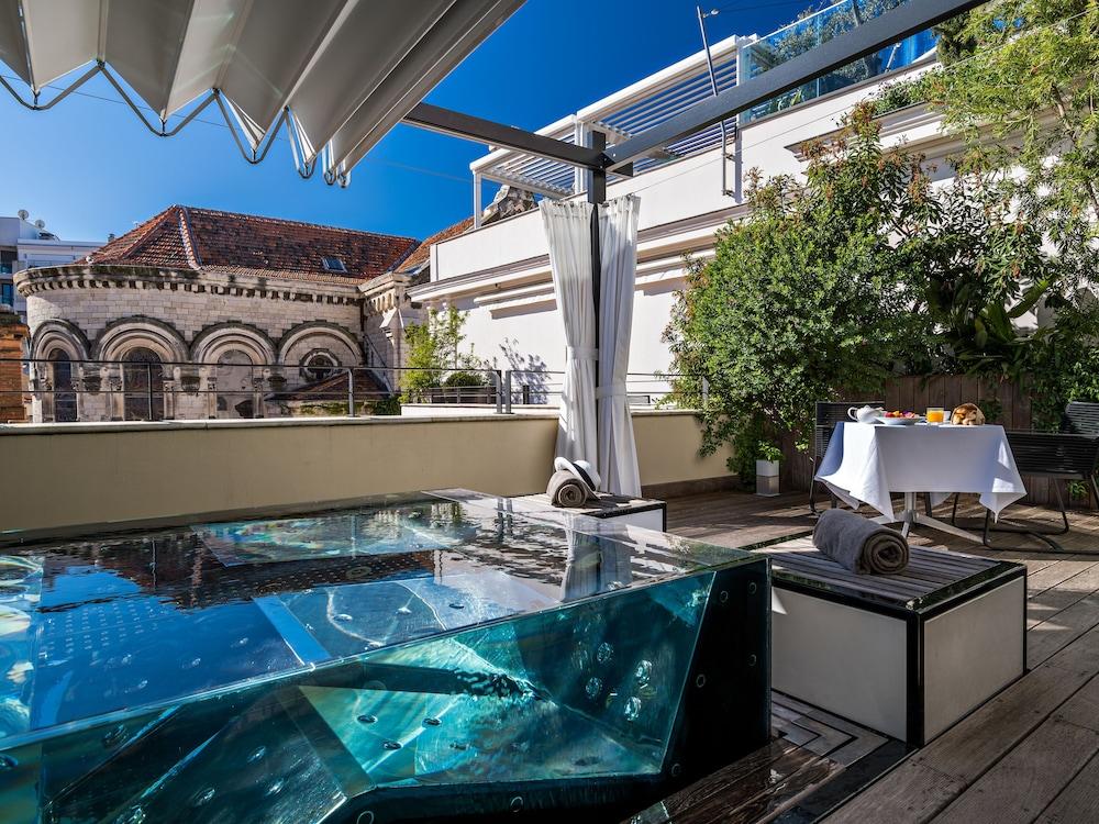 파이브 시즈 호텔 칸(Five Seas Hotel Cannes) Hotel Image 25 - Private Spa Tub