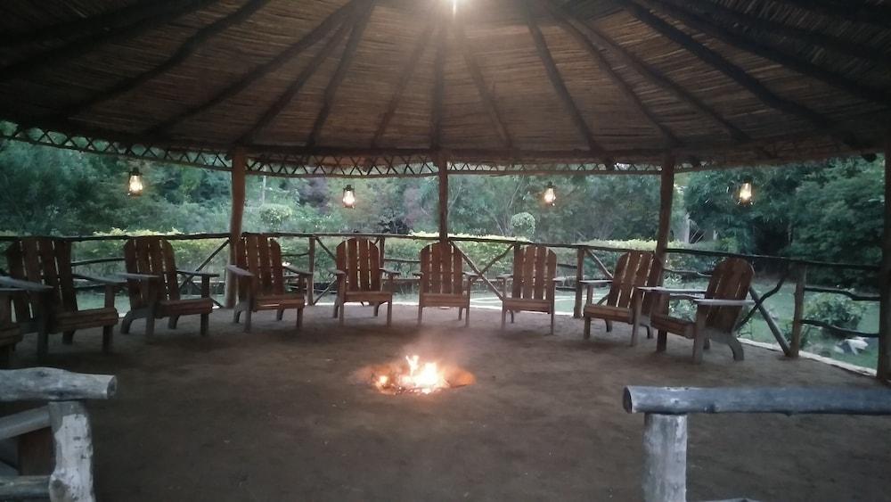 와일드플라워 리조트(Wildflower Resort) Hotel Image 1 - Lobby Sitting Area