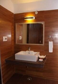 와일드플라워 리조트(Wildflower Resort) Hotel Image 36 - Bathroom Sink