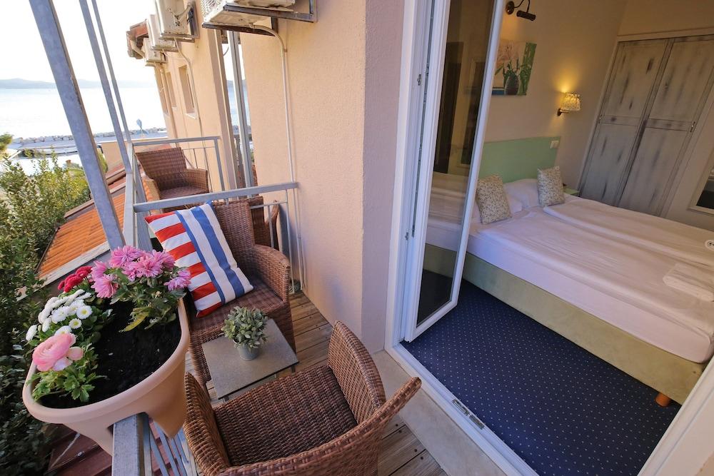 호텔 델핀(Hotel Delfin) Hotel Image 31 - Balcony