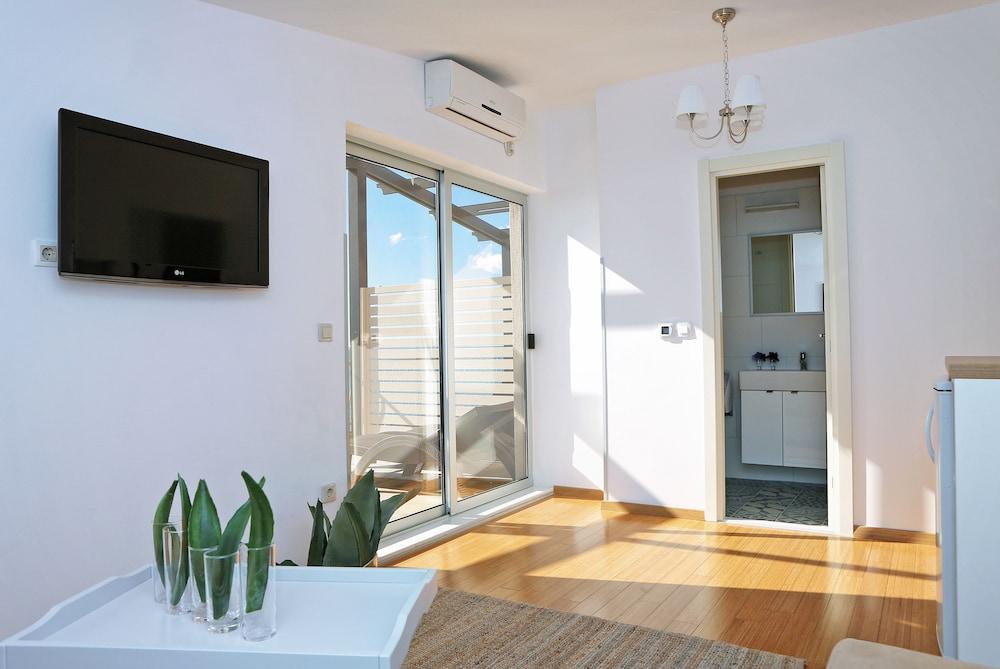 호텔 델핀(Hotel Delfin) Hotel Image 28 - Living Area