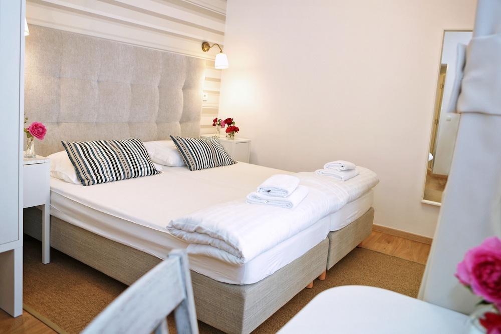 호텔 델핀(Hotel Delfin) Hotel Image 18 - Guestroom