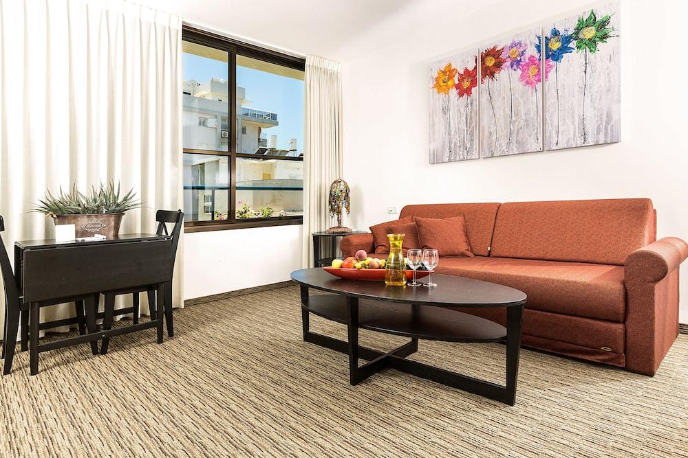 아벨 스위트 호텔(Arbel Suites Hotel) Hotel Image 13 - Living Room