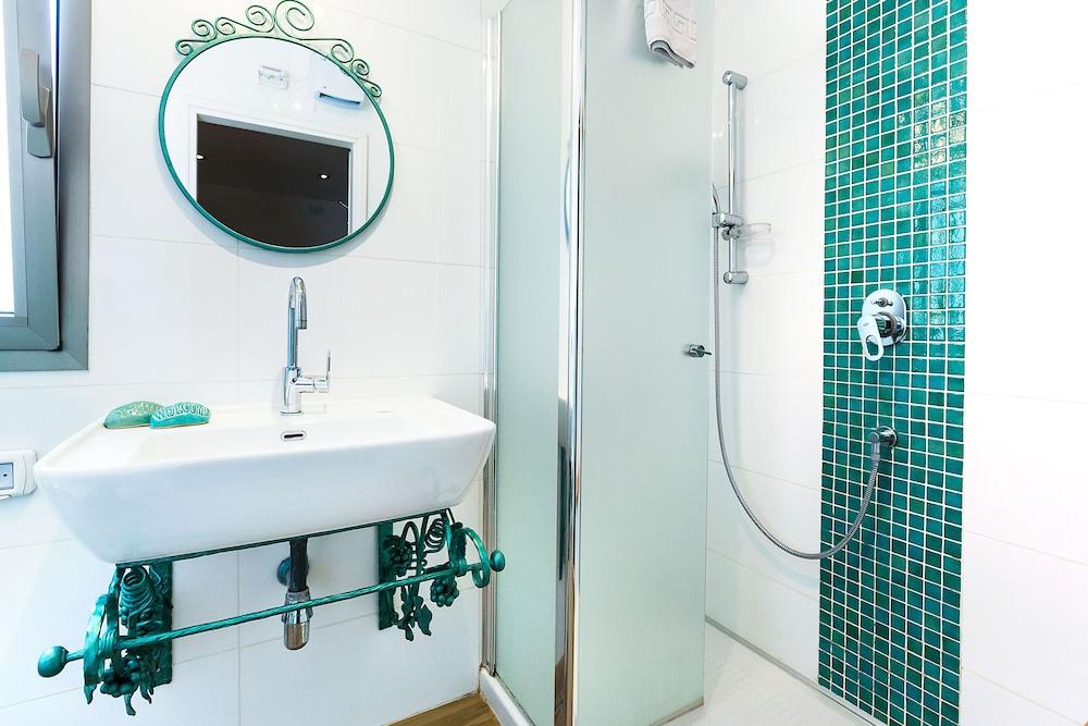 아벨 스위트 호텔(Arbel Suites Hotel) Hotel Image 18 - Bathroom