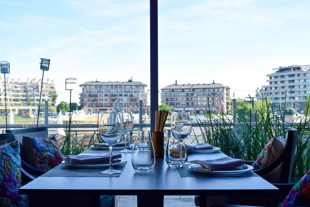 윈덤 노르델타 티그레 부에노스아이레스(Wyndham Nordelta Tigre Buenos Aires) Hotel Image 75 - Restaurant