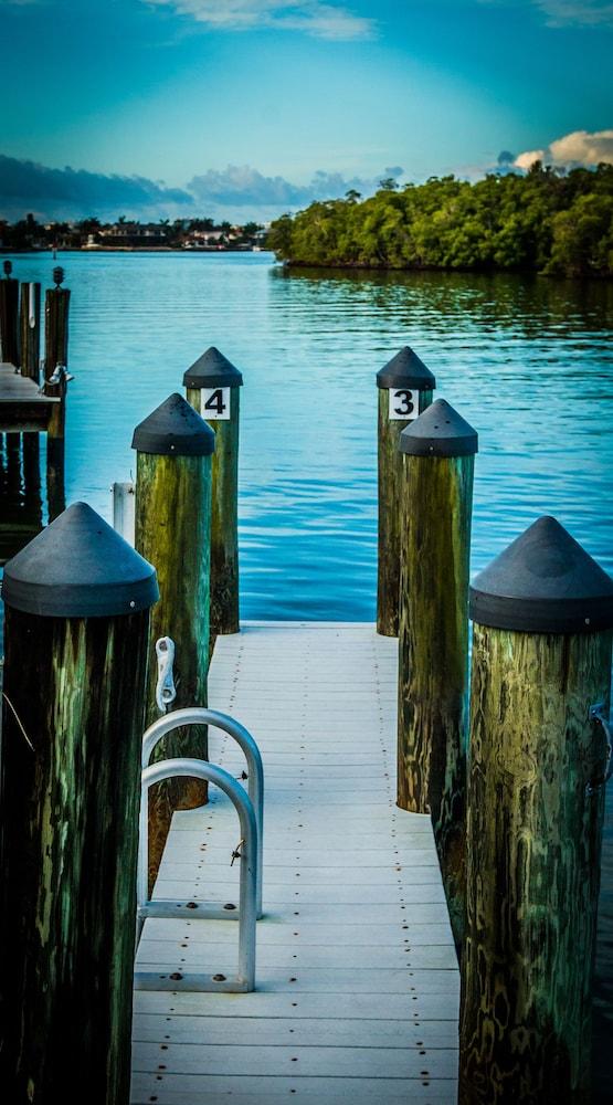 더 보트 하우스(The Boat House) Hotel Image 32 - Dock