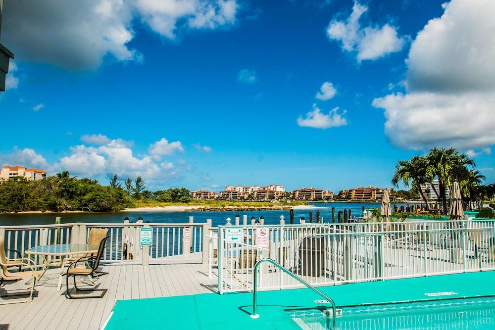 더 보트 하우스(The Boat House) Hotel Image 22 - Outdoor Pool