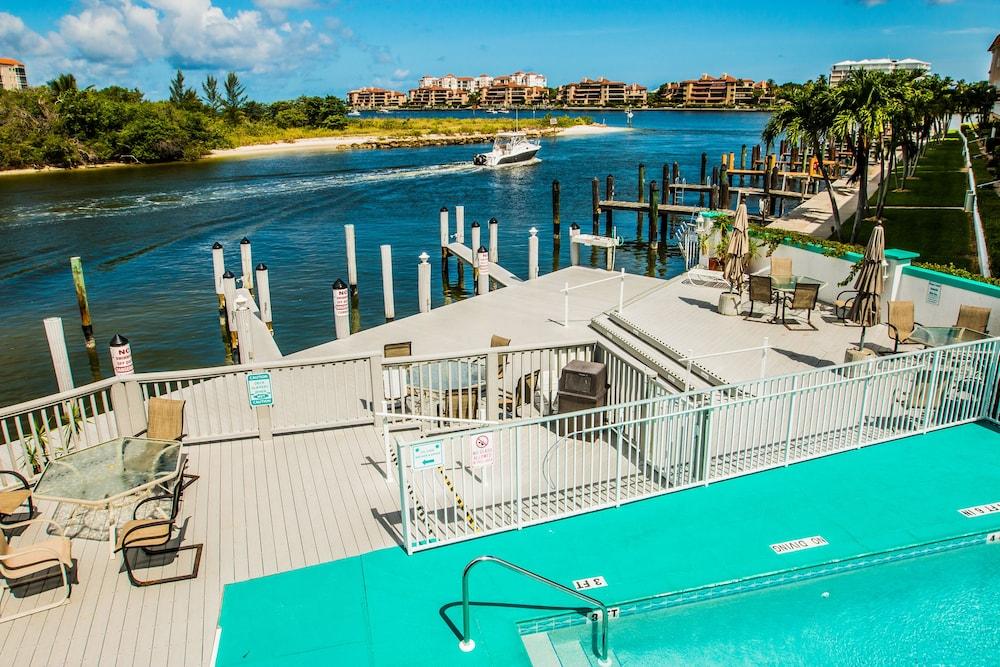 더 보트 하우스(The Boat House) Hotel Image 24 - Outdoor Pool