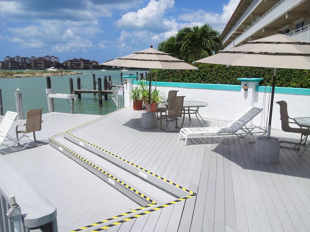 더 보트 하우스(The Boat House) Hotel Image 27 - Terrace/Patio