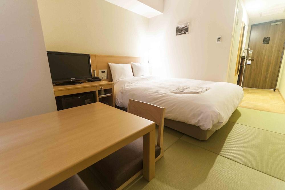 다이와 로이넷 호텔 오키나와 켄초마에(Daiwa Roynet Hotel Okinawa Kenchomae) Hotel Image 13 - Guestroom