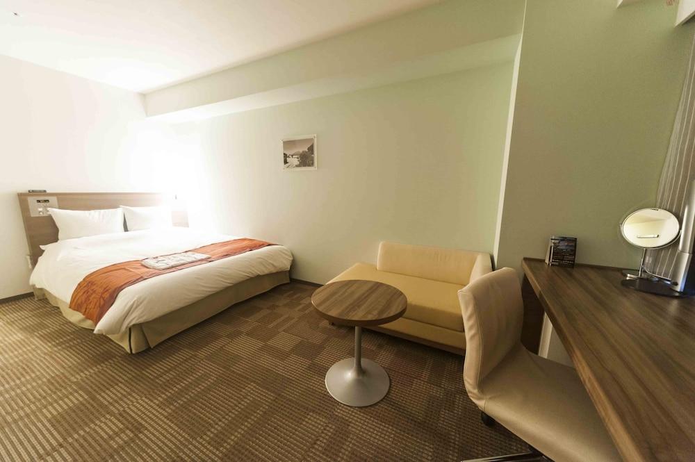 다이와 로이넷 호텔 오키나와 켄초마에(Daiwa Roynet Hotel Okinawa Kenchomae) Hotel Image 10 - Guestroom