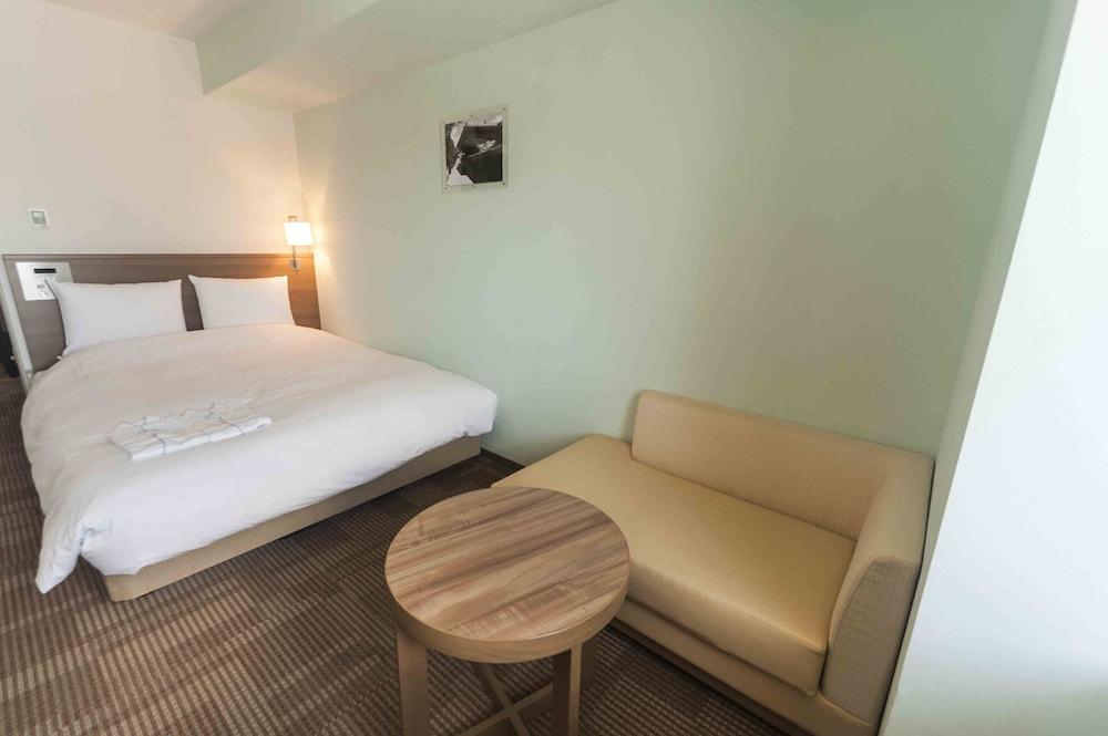 다이와 로이넷 호텔 오키나와 켄초마에(Daiwa Roynet Hotel Okinawa Kenchomae) Hotel Image 8 - Guestroom