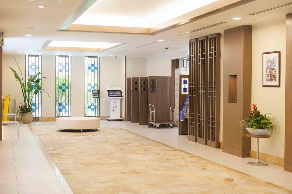 다이와 로이넷 호텔 오키나와 켄초마에(Daiwa Roynet Hotel Okinawa Kenchomae) Hotel Image 17 - Interior Entrance