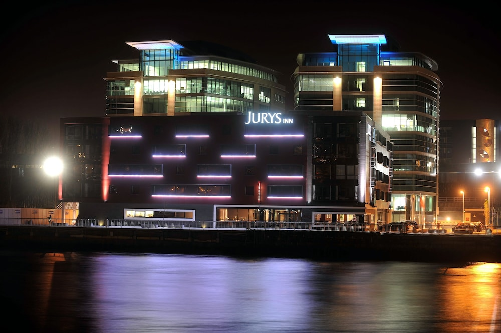 쥬리스 인 뉴캐슬 키사이드(Jurys Inn Newcastle Quayside) Hotel Image 32 - Hotel Front - Evening/Night