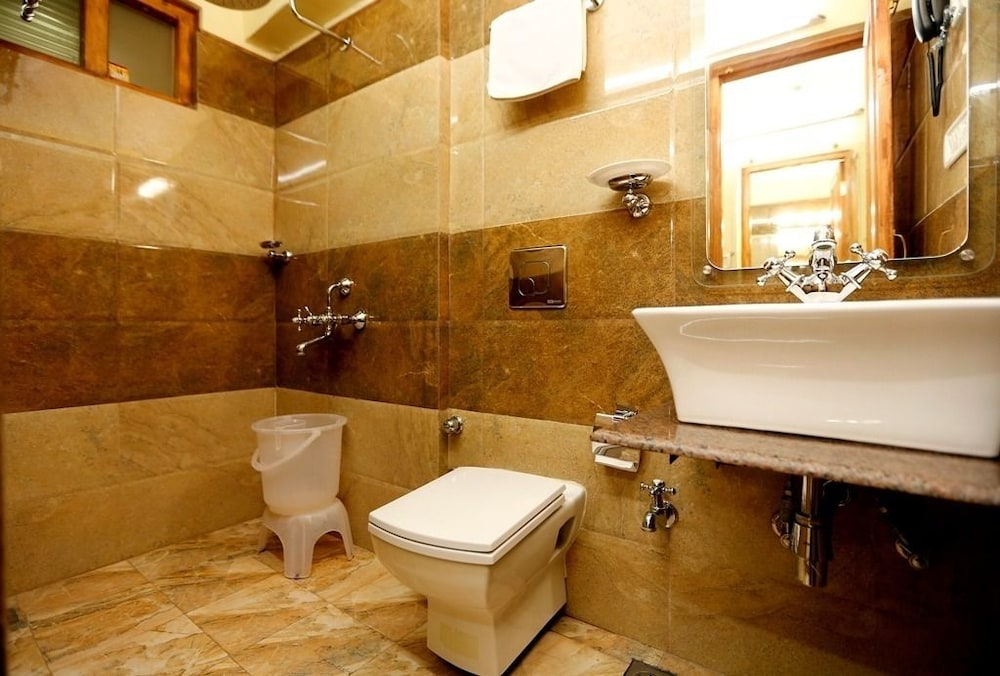 브리지 뷰 리젠시(Bridge View Regency) Hotel Image 20 - Bathroom