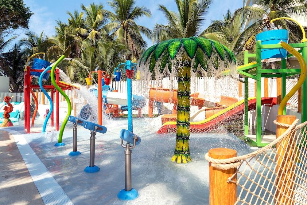 선스케이프 도라도 파시피코 익스타파 리조트 앤드 스파 올 인클루시브(Sunscape Dorado Pacifico Ixtapa Resort & Spa All Inclusive) Hotel Image 18 - Water Park