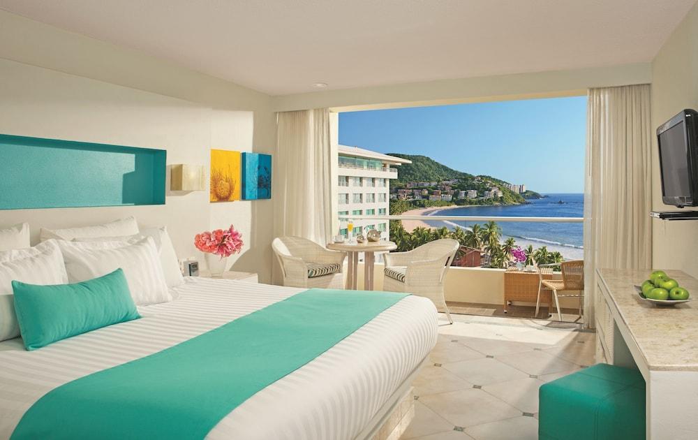선스케이프 도라도 파시피코 익스타파 리조트 앤드 스파 올 인클루시브(Sunscape Dorado Pacifico Ixtapa Resort & Spa All Inclusive) Hotel Image 7 - Guestroom